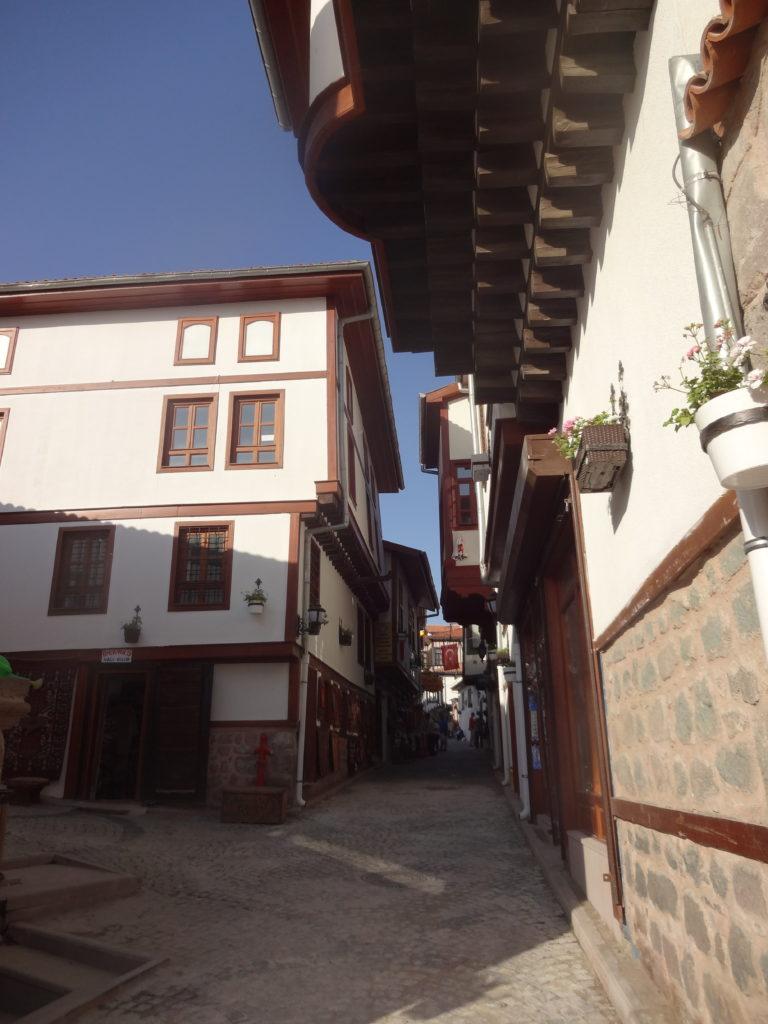アンカラ城近くの古い様式の家屋