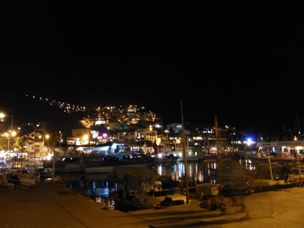 カシュKaşの街 夜景